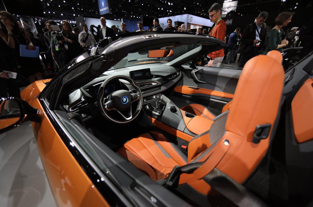 Drop Top Thrills Bmw S New I8 Roadster Headed For Sa Motors