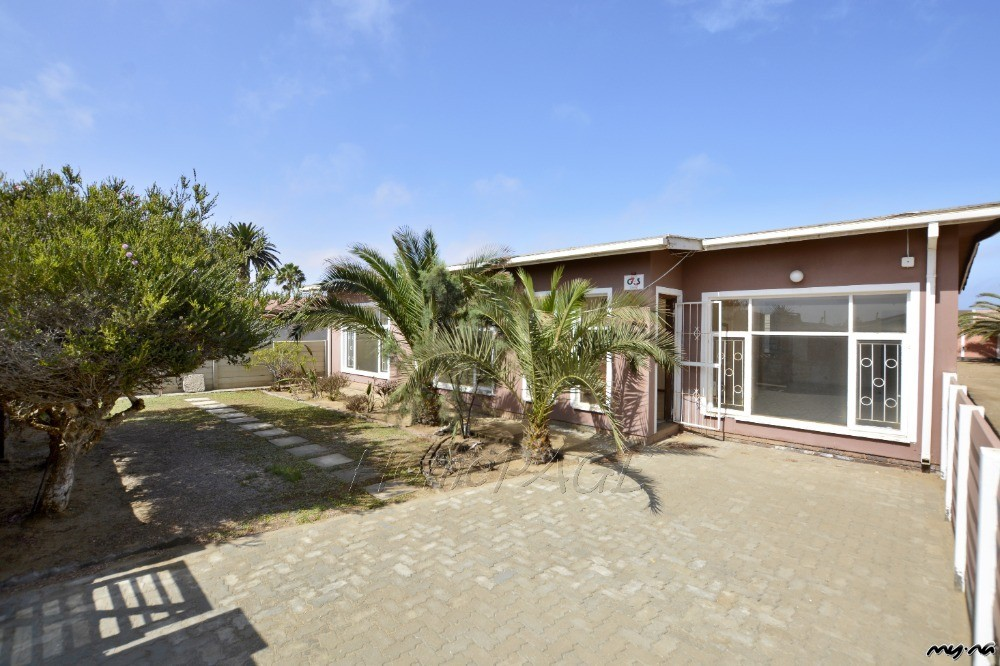 Bay Area Auto Auctions >> Meersig, Walvis Bay: Fixer Upper with Flat is for Sale - My Namibia