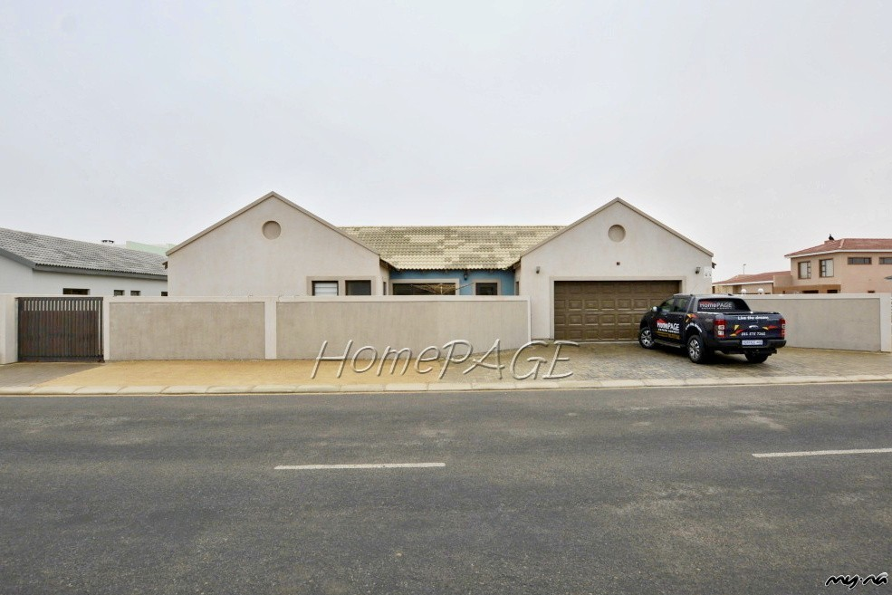 Ext 9 Swakopmund Beautiful Home With Loads Of Character
